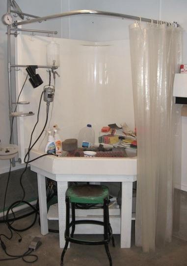 4407_shower_surround_water_cabinet.jpg